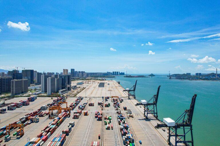 Co oznacza termin cut off w transporcie morskim?
