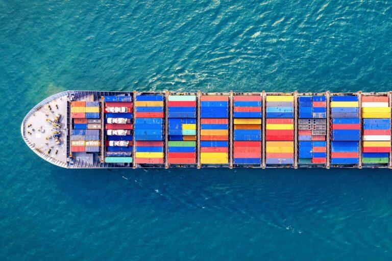 Co to jest zwolnienie towaru w transporcie morskim?