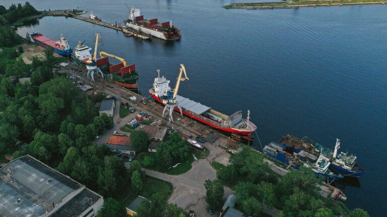 Gdzie znajdują się terminale krajowe statkiem.pl?